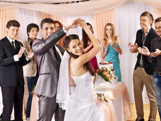 Düğün ve evlilik hazırlıkları gelin ve damat adayının çok planlı hareket etmelerini gerektirmektedir.